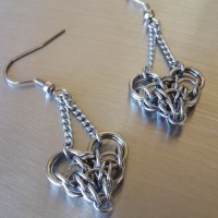 Chainmaille Love Earrings